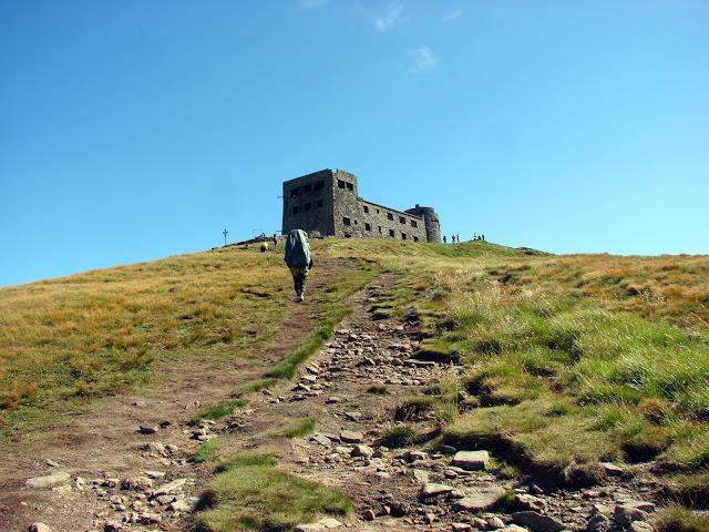 Вершина Попа Івана з покинутій обсерваторією