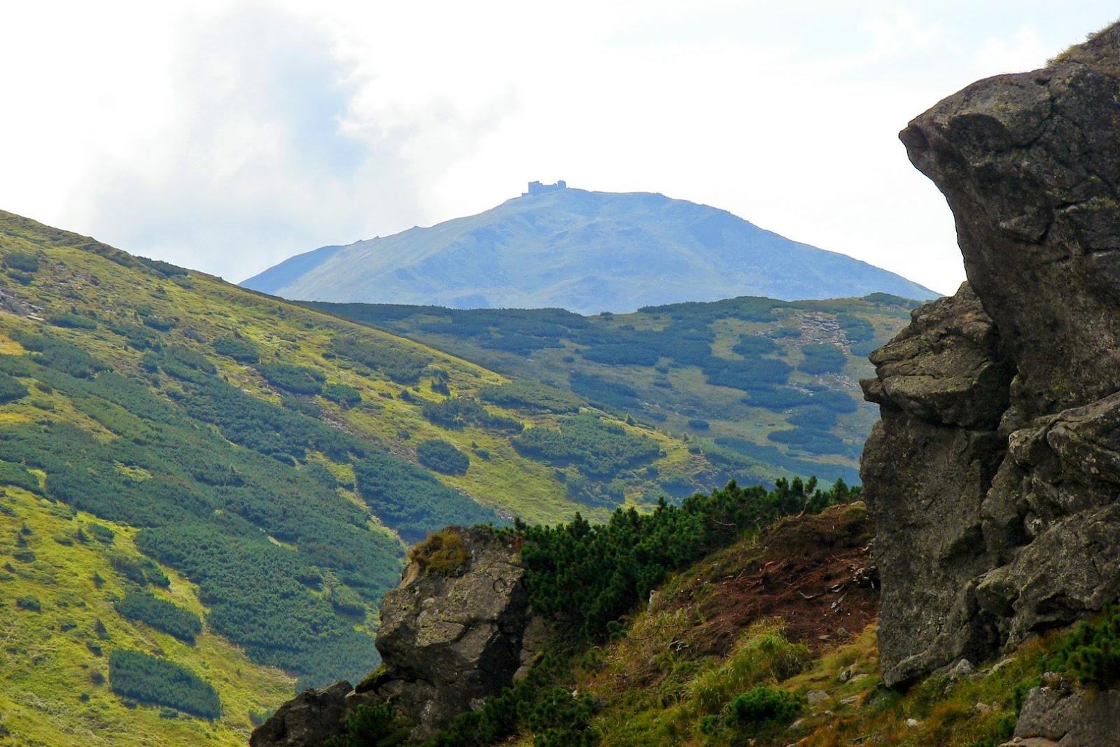 Піп Іван, вид від озера Бребенескул