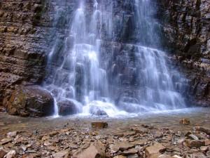 частина манявського водоспаду