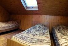 номер із трьома одномісними ліжками