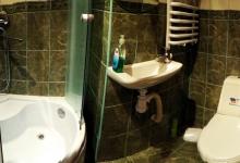 ванна кімната на другому поверсі